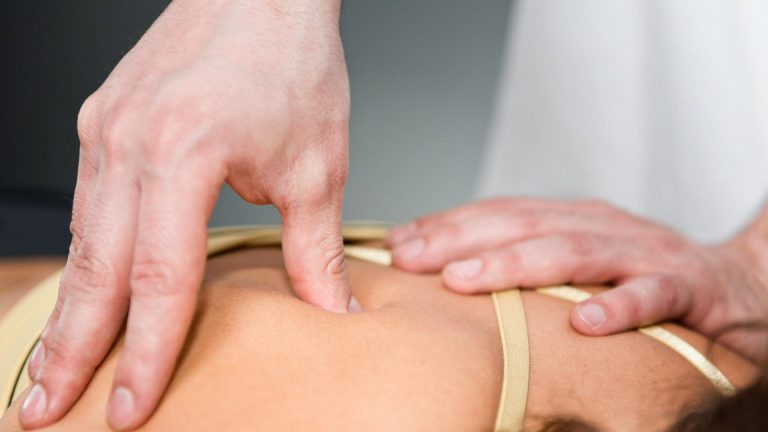 Myotherapist Caulfield Treatment for back pain